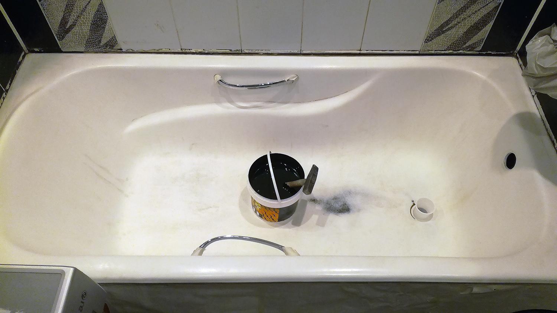 До реставрации стакрилом ванна с ручками